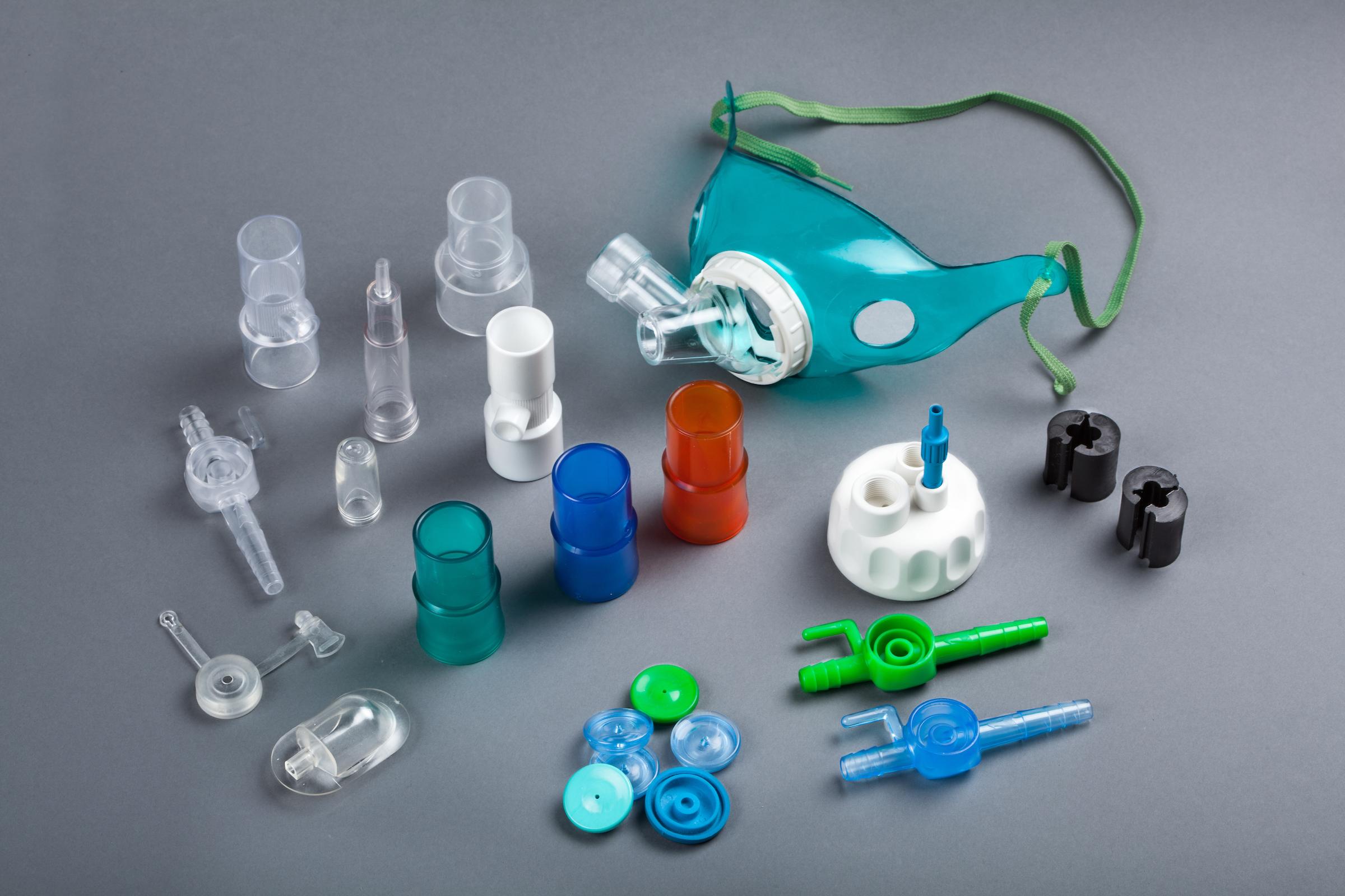 photos pieces plastiques medicale