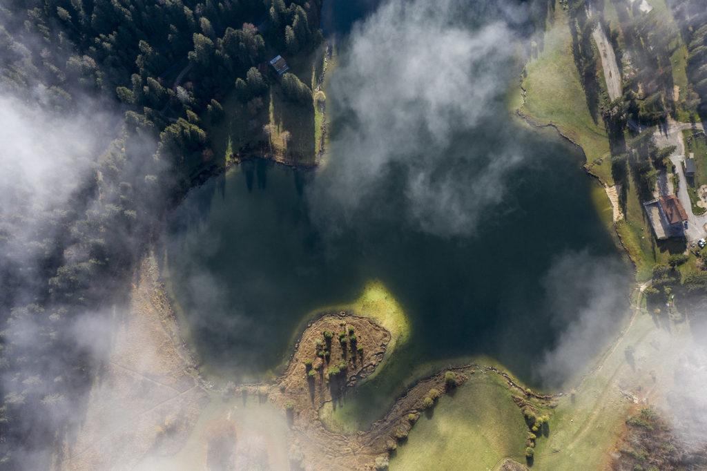 prise de vue aerienne lac genin ain
